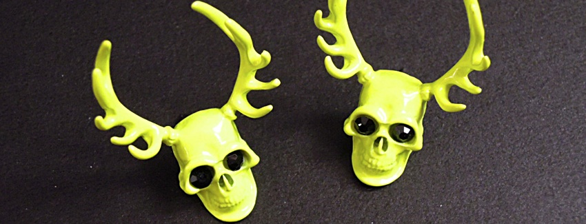 skull-antler-earring